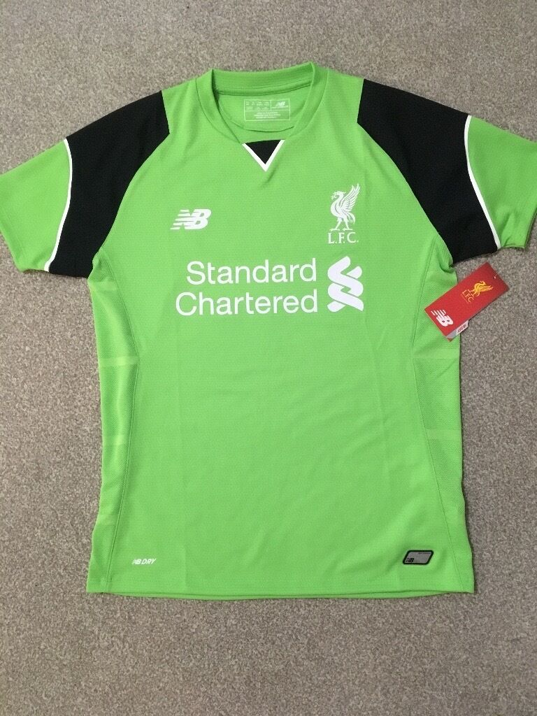 Liverpool Football Shirt 2016/2017 Childs Age 10 11 Brand New with Tagsin Fleetwood, LancashireGumtree - Liverpool Football Shirt 1016 2017 Childs Age 10 11 Brand New with Tags Cost £42.00 will accept £15 (no offers please) Unwanted present From a very clean smoke free home Sold as seen no refunds