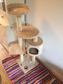 Cat scratching post and climbing tree - BRAND NEW & UNUSED