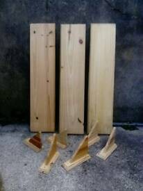 3 pine shelves