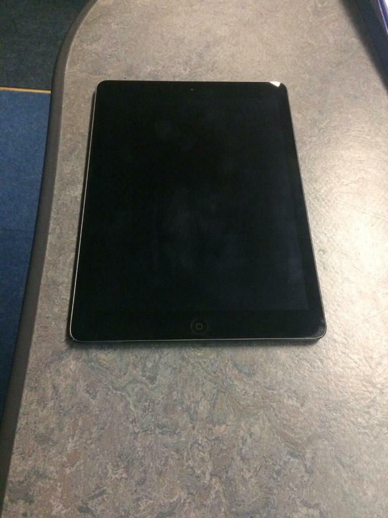 iPad Air 32gb Wifi Like New225in Paignton, DevonGumtree - iPad Air 32gb Wifi Space Grey For Sale. Like New. No scratches or marks. Been in protective case since new. £225