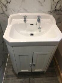 Bathroom sink & cabinet