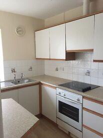 1 one bedroom 1st floor flat. Pembroke Dock Queen street £315