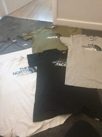 5 North face T Shirts as per photo size XL Boys or roughly age 14-16