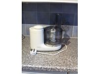 Kenwood food processor + accessories in good clean condition,hardly been used.