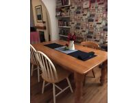 4 or 6 seater Dining or Kitchen Table. Pine effect. 183x100x73cm.
