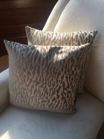 Set of 2 cushions