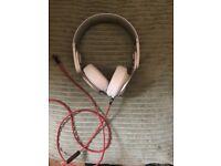 Beats by Dr Dre Solo 2 White headphones