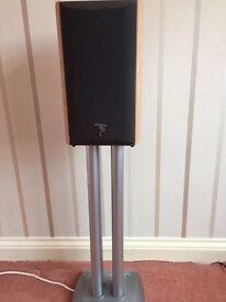 Pair of FOCAL.JMlab Chorus HiFi speakers with stands