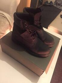 """Timberland Classic 6""""Boots - Men Boots Size 8.5"""