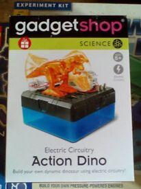 Gadget shop action dino kit
