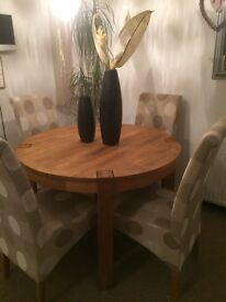 Solid Oak Table + 5 matching chairs