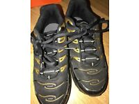 Nike TN's Black and Gold size 2.5