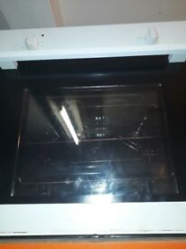 Electric built in oven , for sale ,,white in colour in fully working condition