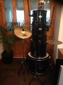Stag drum kit