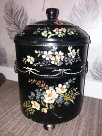 Vintage coal scuttle bucket with lid