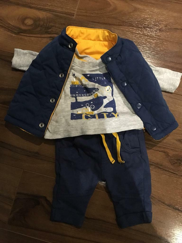 Baby Boy outfits size Newborn