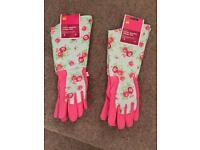 New - vintage floral pattern gardening gloves - great gift