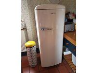 Gorenje Retro Collection Cream Refrigerator with Freezer