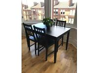 Dining table and 4 chairs (collection)