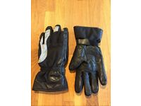 Ladies leather motorcycle gloves, size 6, Bering