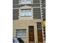 3 bed flat Holton road Barry