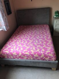 King Size Bed With Lovely, Very Comfortable Memory Foam King Size Mattress