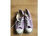 Lilac converse size 6