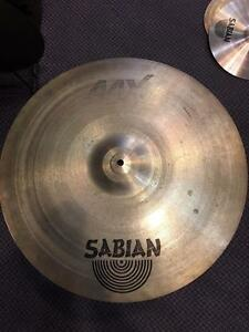 Cymbale Ride Sabian AAX stage ride 21po usagée