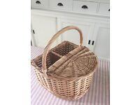 Rustic wicker picnic hamper/wine basket - NEW - unwanted gift