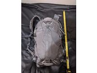 Osprey Momentum 34 S/M Cyclist Backpack with lid lock