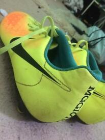 Nike Magista size 8.5 football boots 2nd hand