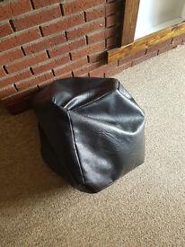 Faux leather bean bag -black