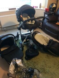 3 in 1 pram, car seat, rain covers, parasol and baby bag. Great condition!!