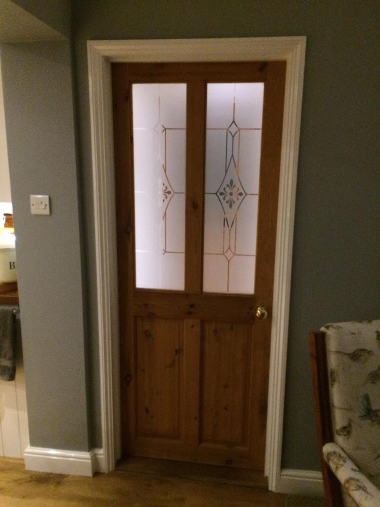 "4 glazed doors 2' 6"" ( pine)"