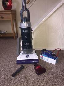 Hoover spirit pet and reach vacuum with free gift