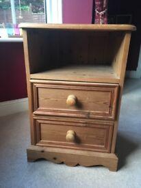 Pine 2 drawer bedside table