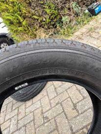 235/60R18 Pirelli