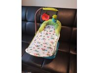 Summer Infant Deluxe Baby Bather Caterpillar With Toy Bar