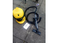 Karcher wd3 wet and dry vacuum