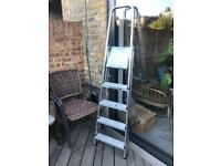 Youngman 4 tred step ladders
