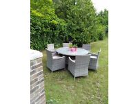 Lovely Garden Dining Table & 6 Chairs With Parasol