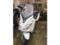 Cheapest Satelis Peugeot 125cc low miles 2013 scooter Vespa