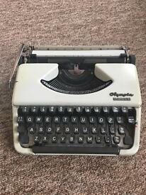 Typewriter - Olympia Splendid 66