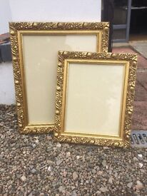 Beautiful framed in excellent condition £15 for two
