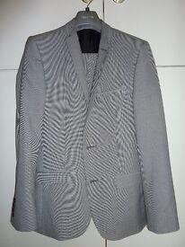 """redherring light grey 2 piece suit - chest 36""""/EU 46 [reg], waist 30""""/EU 40 [reg] - ONLY WORN ONCE!"""
