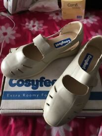 COSYFEET LADIES SHOES, UK SIZE 7.5