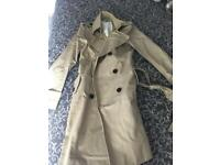 GAP woman trench