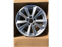 "BMW F10/F11 5-Series 17"" 236 Alloy wheel - excellent condition"
