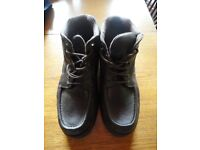 MEN'S LEATHER BOOTS - SIZE 10