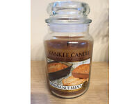 **YANKEE CANDLE BANANA NUT BREAD LARGE JAR. BURNT FOR ONLY 20 MINS**